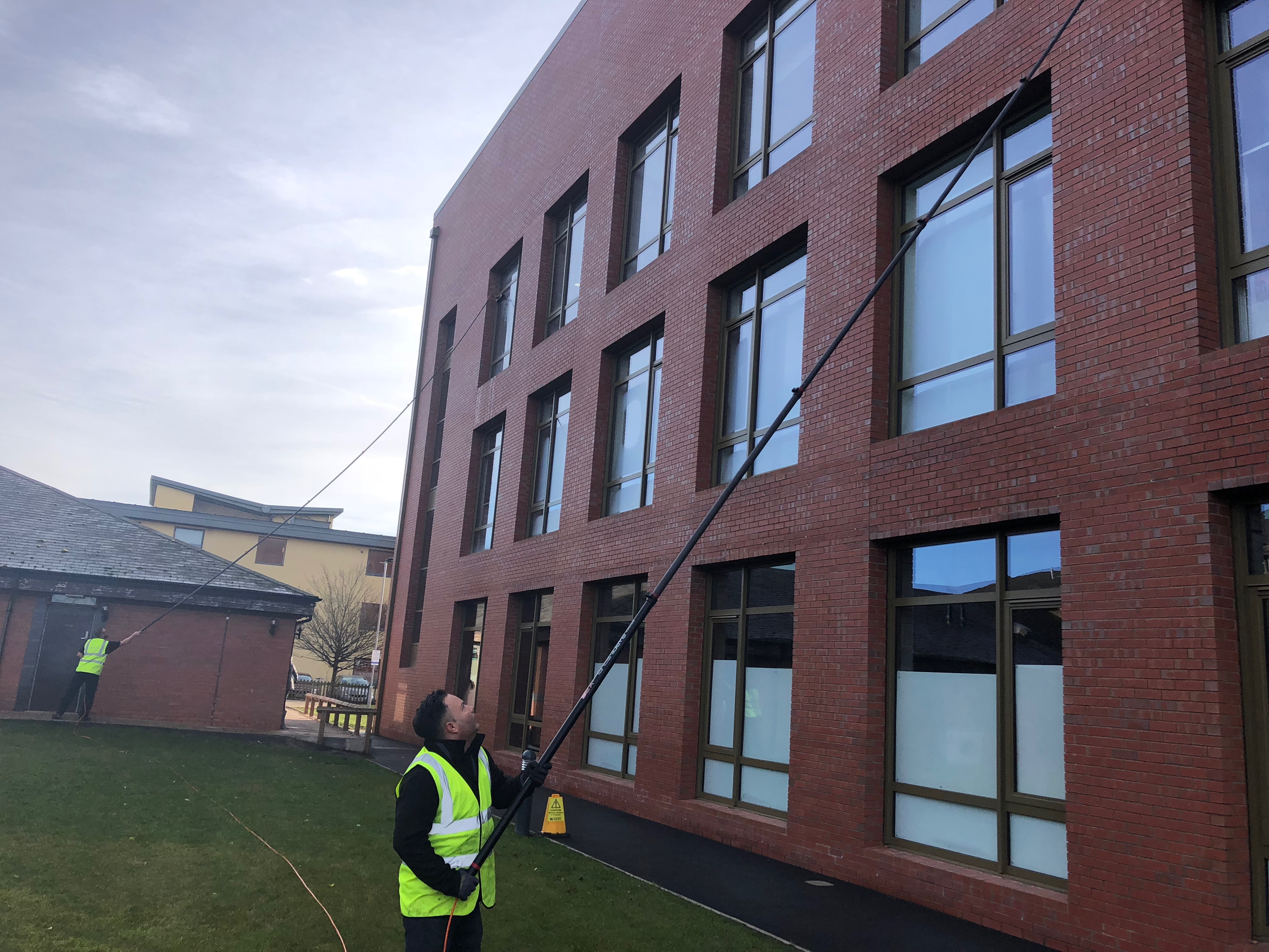 commercial window cleaning,